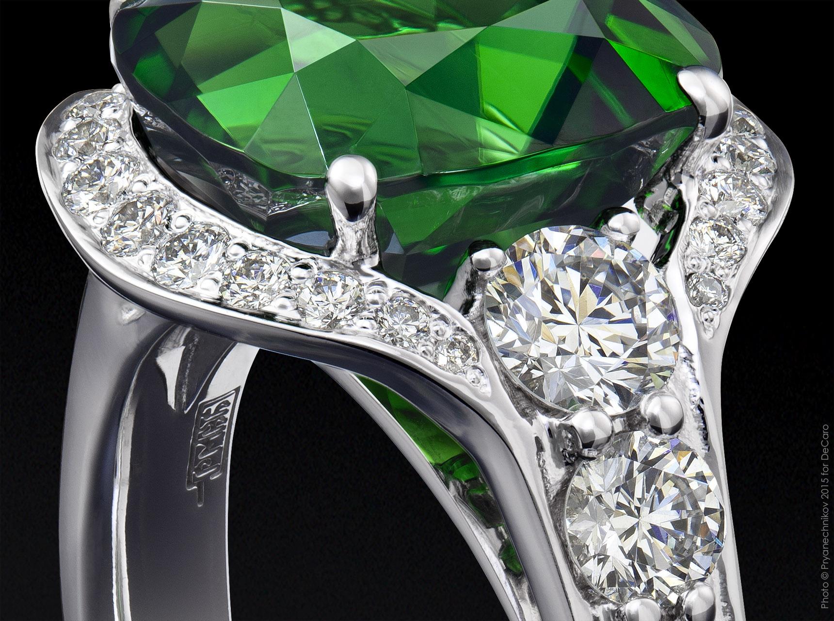 Ювелирные украшения с бриллиантом фото